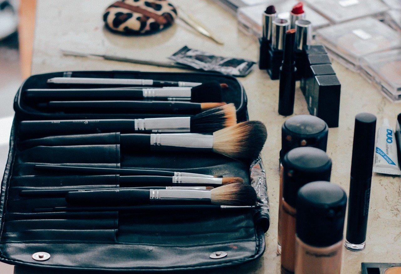 Aprire un negozio di make up