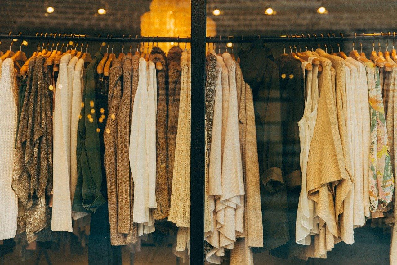 Aprire un negozio di abiti usati