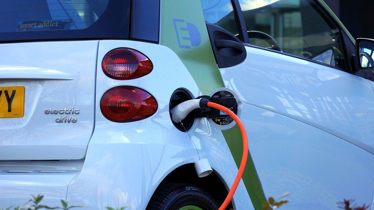 Aprire un distributore per auto elettriche