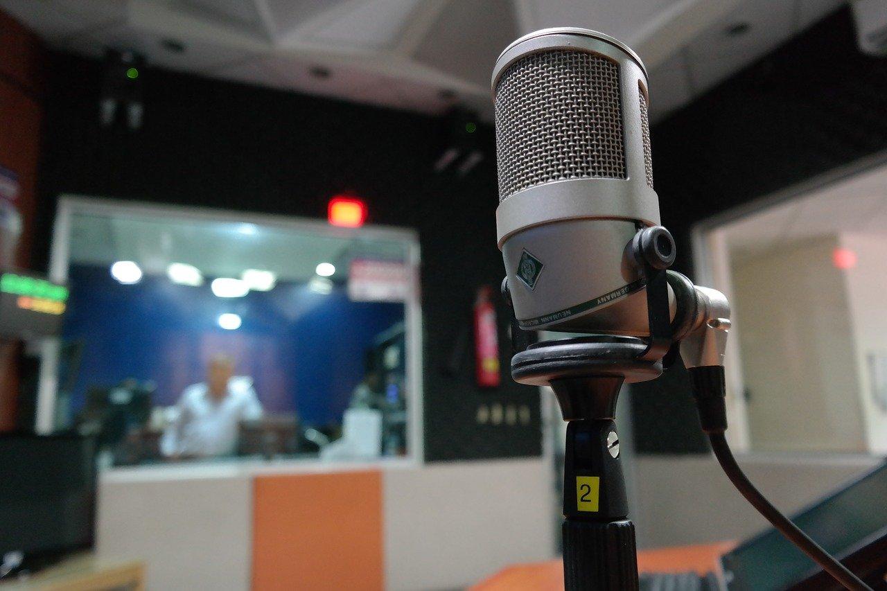 Aprire una radio locale