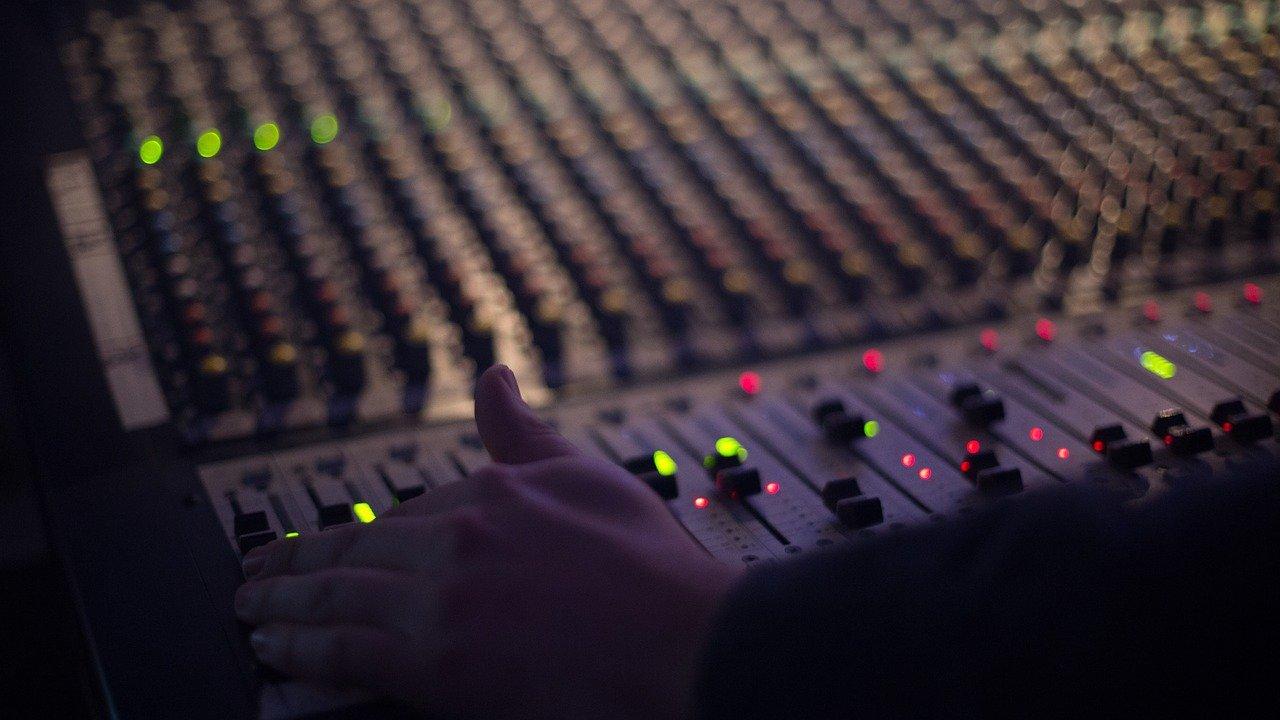 Aprire un'emittente radiofonica